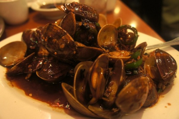 Joe's Shanghai - Stir fried clams in black bean sauce