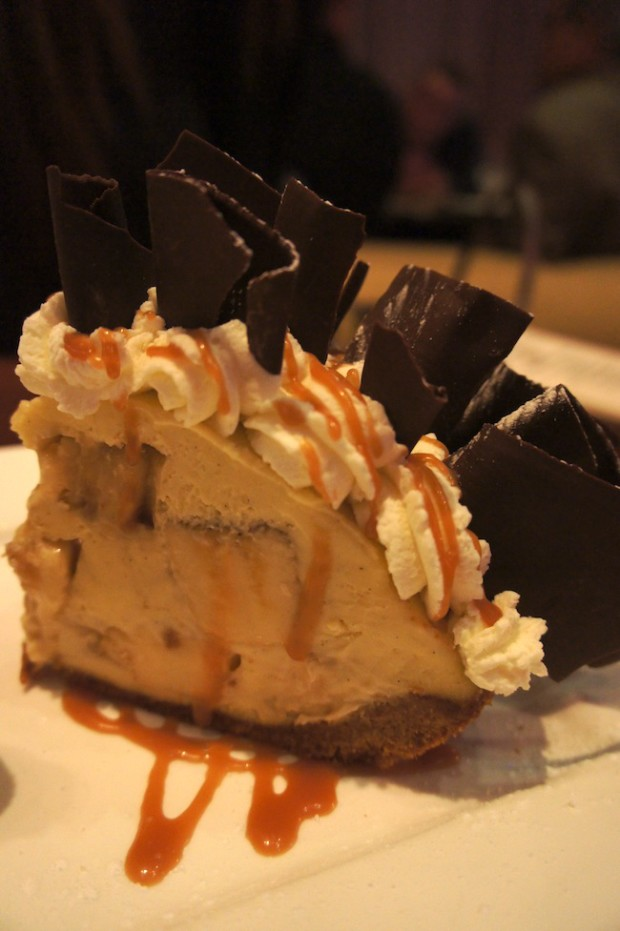 EMERIL'S SIGNATURE BANANA CREAM PIE Graham Cracker Crust and Caramel Sauce