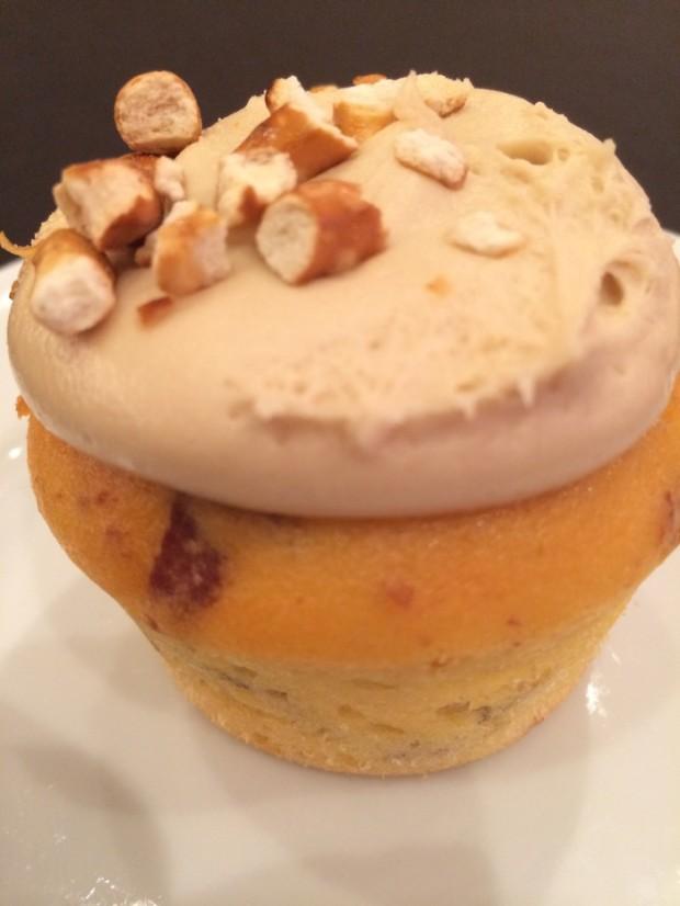 """""""Piggylicious"""" bacon cupcake"""