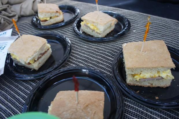 Smart Coffee HD - Hamilicious Breakfast sandwich