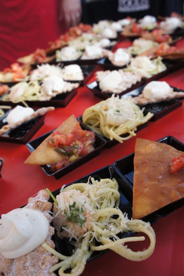 Italio - shrimp alfredo basil pesto pasta, bruschetta with cannoli
