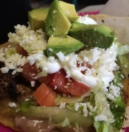 Sope de carne asada steak