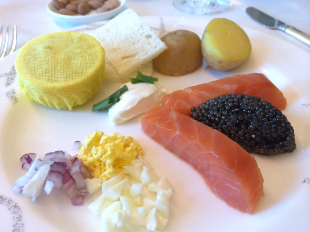 Flying first class on Cathay Pacific - appetizer - smoked salmon with caviar