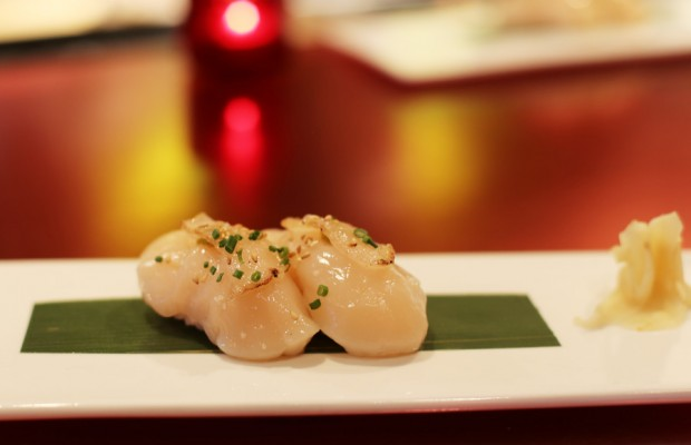 Sushi Pop's Scallop Nigiri