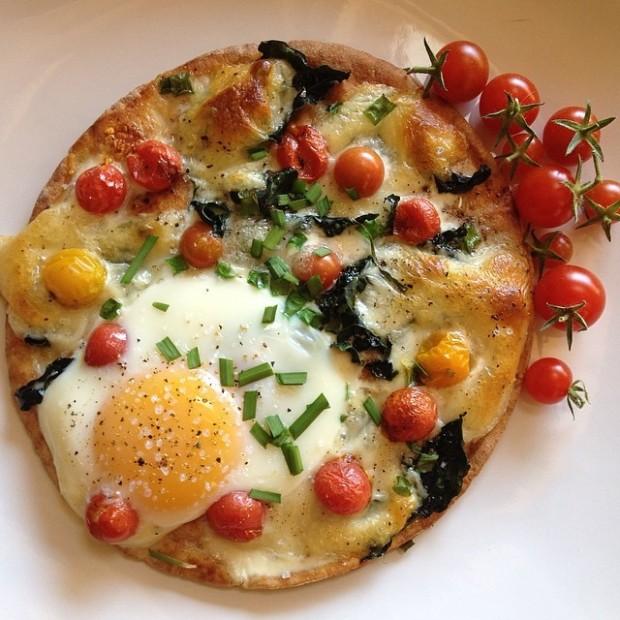 @natelibrarian Garden Pizza topped with egg - the WINNER