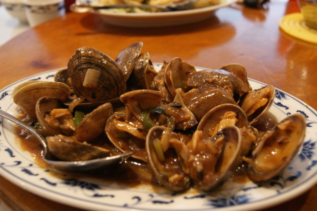 Clams stir fried in black bean sauce