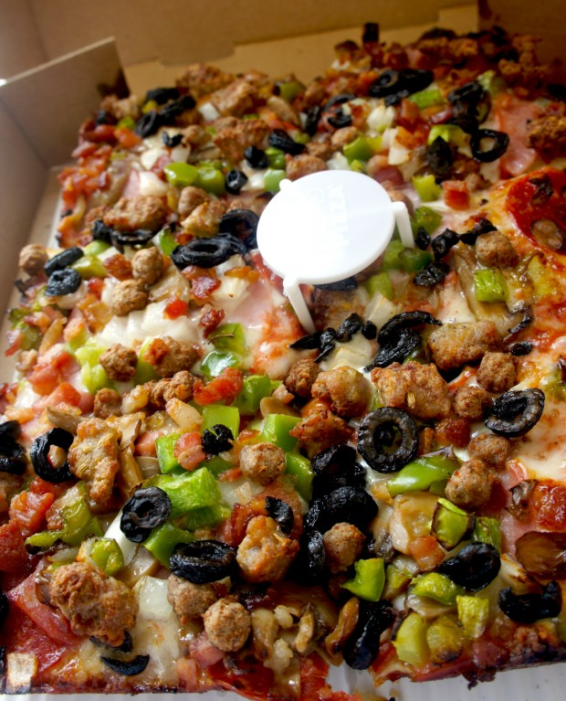 Jet 10® Premium Mozzarella Cheese, Pepperoni, Ham, Mushrooms, Onions, Green Peppers, Hamburger, Italian Sausage, Bacon and Black Olives.