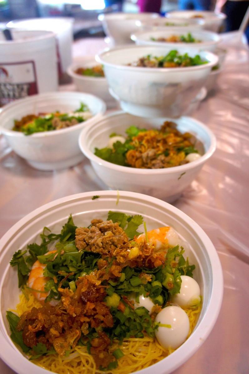 Hu Tieu Mi, a pork and chicken noodle soup