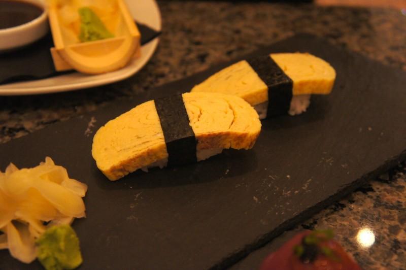 Tamago egg nigiri