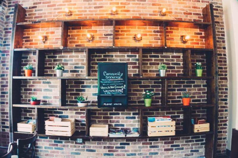 Wood_wall_photo_by_Nhi_Nguyen_Tastychomps