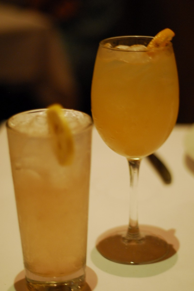 Mango Grigio (right)