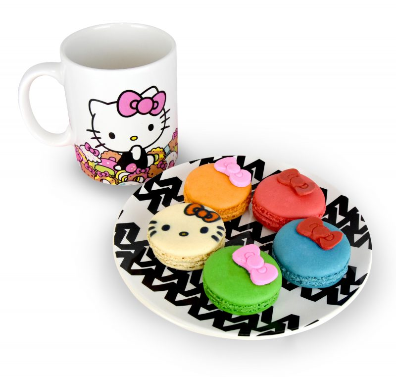 hello-kitty-cafe-truck-macarons-and-mug-1