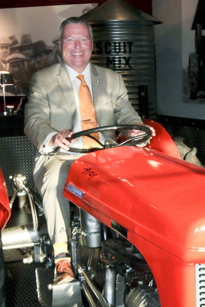 Orlando Mayor Buddy Dyer says they think his tractor is sexy at Hash House a Go Go