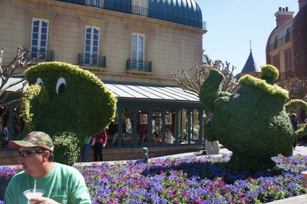 Chip and Mrs. Potts in Epcot France Pavilion