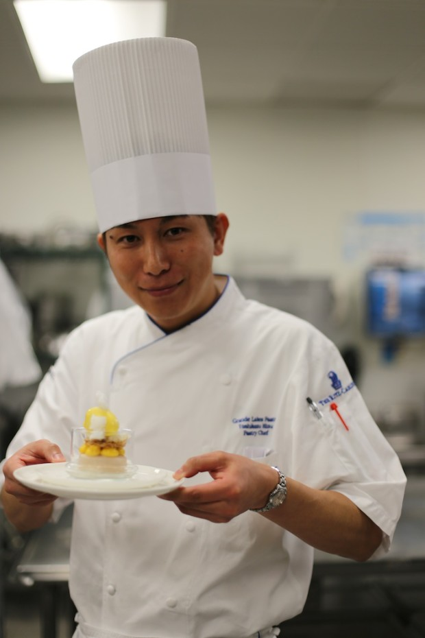 """Chef Kizu presenting """"Belle"""" the beauty of the """"Beauty and the Beast"""" showpiece"""