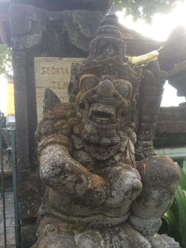 Statue gods