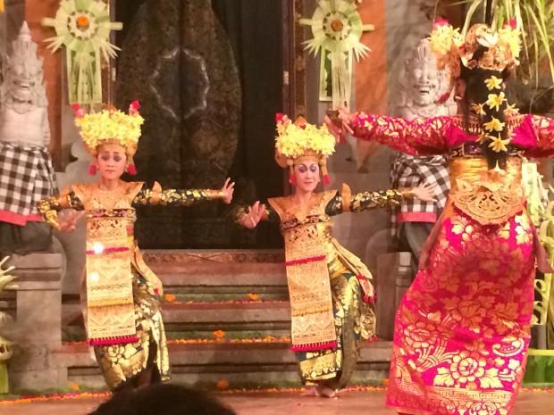 Legong performance at the Temple Peliatan in Ubud