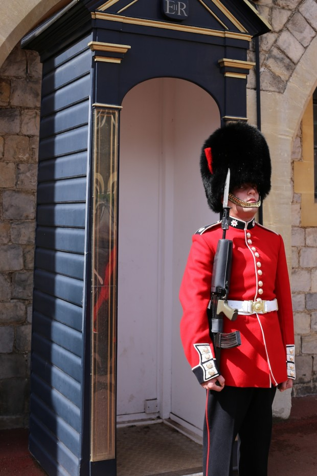 A Guard stands at Windsor Castle