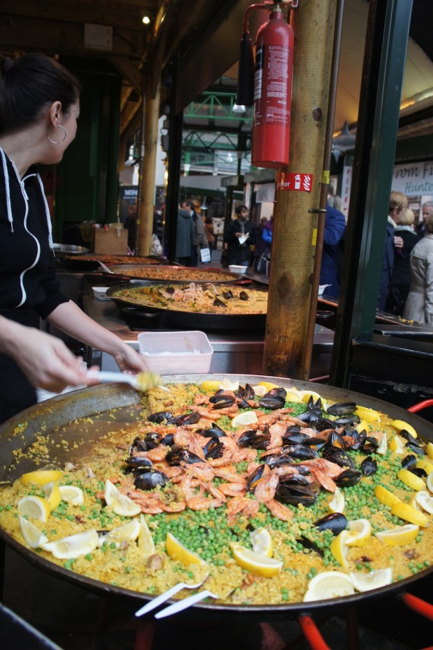 Freshly cooked paella of all sorts of flavors from Thai panang to traditional