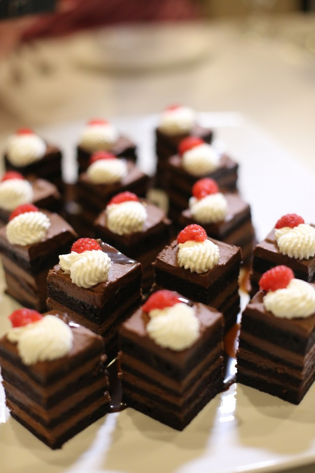 CHOCOLATE DELIGHT -Caramel & raspberry coulis