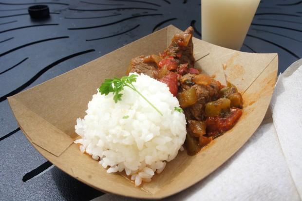 Puerto Rico - Carne guisada con arroz blanco — Slow-braised beef with Puerto Rican-grown rice (gluten free)