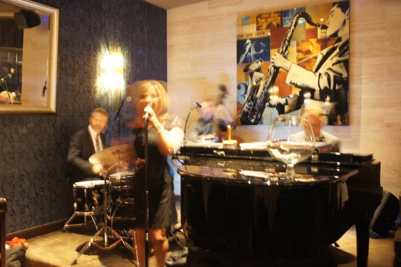 Live jazz lounge at Eddie Vs Orlando
